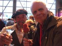 Ilja Gort mag een toas uitbrengen met sterverslaggever Evert Kupers
